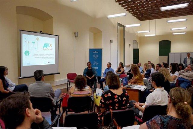 Actividad formativa en la Sociedad de Desarrollo de Santa Cruz de Tenerife
