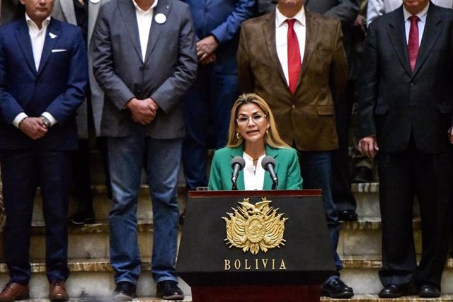 "22 January 2020, Bolivia, La Paz: Interim President of Bolivia Jeanine Anez delivers an address to the nation at the Presidential Palace to mark the anniversary of naming Bolivia the ""Plurinational State of Bolivia"" by former President Evo Morales in 2009"