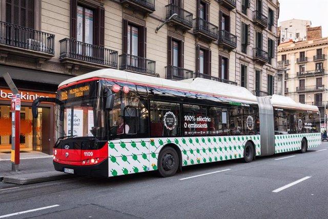 Autobús elèctric de Transports Metropolitans de Barcelona de la línia H16.