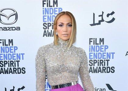 Jennifer Lopez saca su primera colección de zapatos