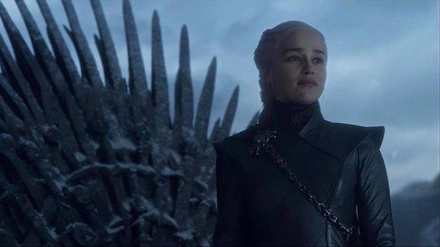 Emilia Clarke en el final de Juego de tronos