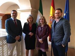Imagen del encuentro de la consejera de Cultura, Patricia del Pozo, y la secretaria general de UGT-A, Carmen Castilla, celebrado este viernes.