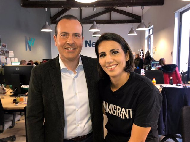 Los periodistas Roberto Cámara y Ana Pastor.