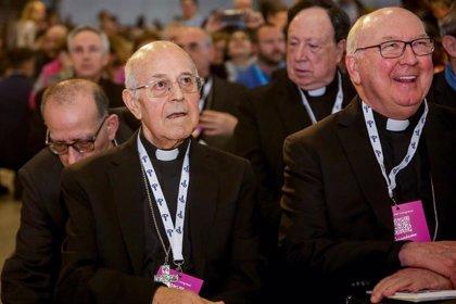 """Responsable del Vaticano pide """"invertir en formar a laicos"""" para que ocupen puestos de gobierno en la Iglesia"""