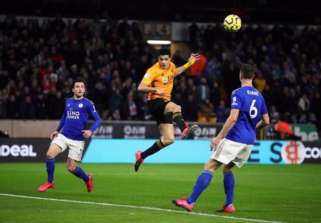 Fútbol/Premier.- (Crónica) El Leicester se acomoda en la tercera posición con un