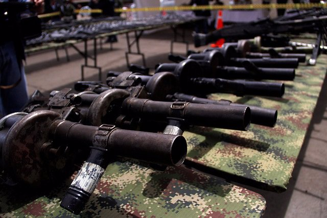 Colombia/EEUU.- Detienen en Panamá a un hombre que traficaba con armas desde EEU