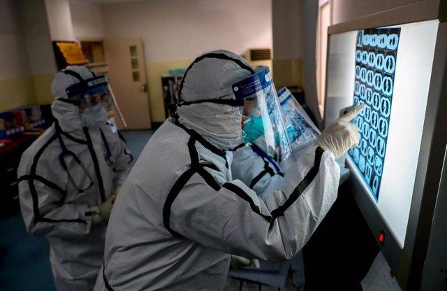 Coronavirus.- China destina a Hubei 25.633 trabajadores sanitarios para hacer fr
