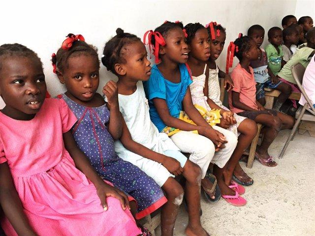 Niños huérfanos en Haití