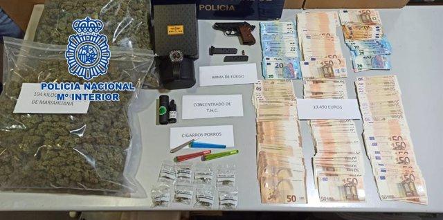 """Nota De Prensa: """"La Policía Nacional Ha Desarticulado Una Organización Criminal En Alicante Y Ha Intervenido Más De 100 Kilos De Marihuana Y Un Arma De Fuego"""""""