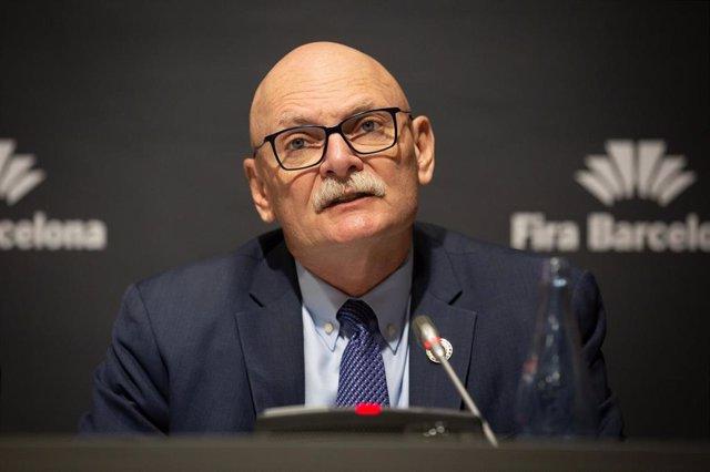 El consejero delegado de la GSMA, John Hoffman, en rueda de prensa el 13 de febrero de 2020.