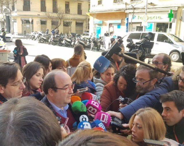 El primer secretari del PSC, Miquel Iceta, en una atenció als mitjans abans del Comit Federal del PSOE.