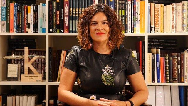 La escritora y cineasta Ana Ballabriga hará un análisis de la novela romántica en Cartagena Piensa
