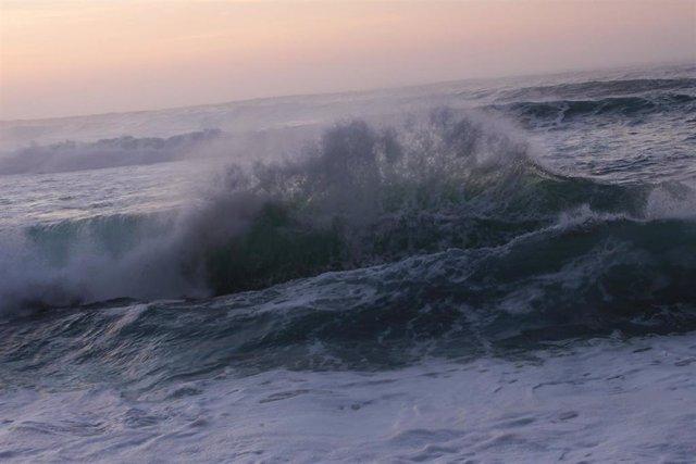 Fuerte oleaje en el litoral gallego