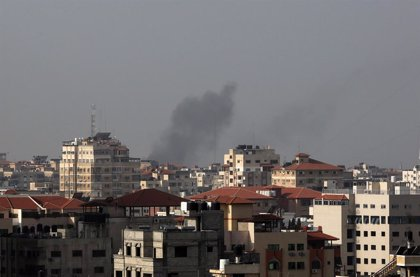 O.Próximo.- Israel bombardea objetivos de Hamás en la Franja de Gaza tras el lanzamiento de dos cohetes