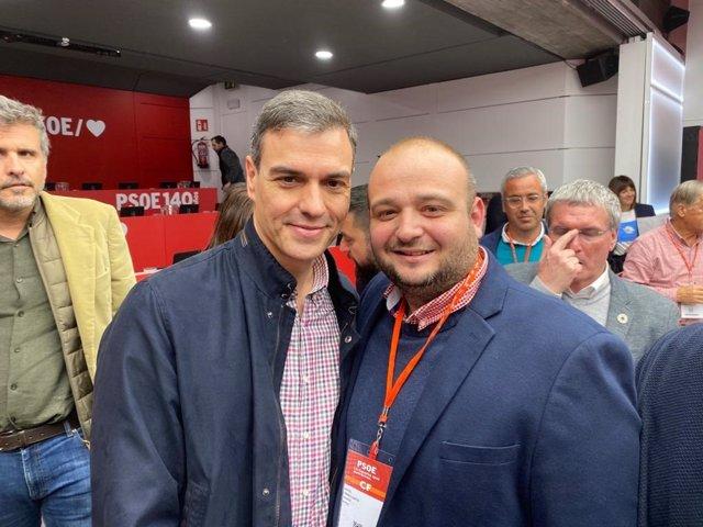 Manuel Torres junto a Pedro Sánchez