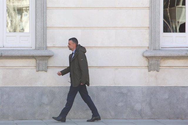 L'exconseller d'Empresa i Coneixement de la Generalitat, Santiago Vila, dirigint-se alTribunal Suprem, on declara en la 17a jornada del judici del procés. (foto d'arxiu)