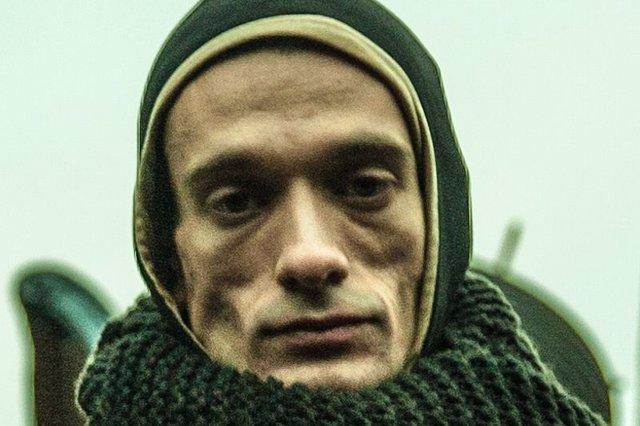 El artista ruso Piotr Pavlenski