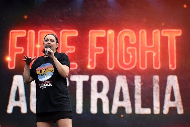 Celeste Barber durante el concierto Lucha Contra el Fuego Australiaen Sídney