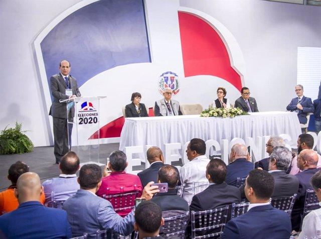 El presidente de la Junta Electoral Central de República Dominicana, Julio César Castaños Guzmán