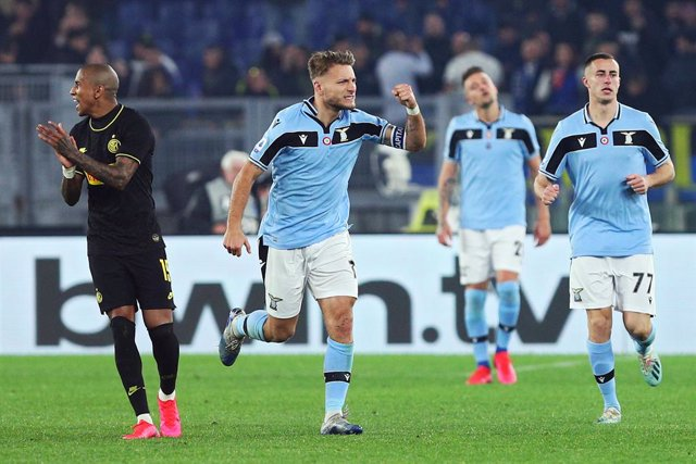 Fútbol/Calcio.- (Crónica) La Lazio asume la alternativa al liderato de la Juvent