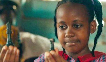 Muere Nikita Pearl Waligwa, estrella de Disney, a los 15 años