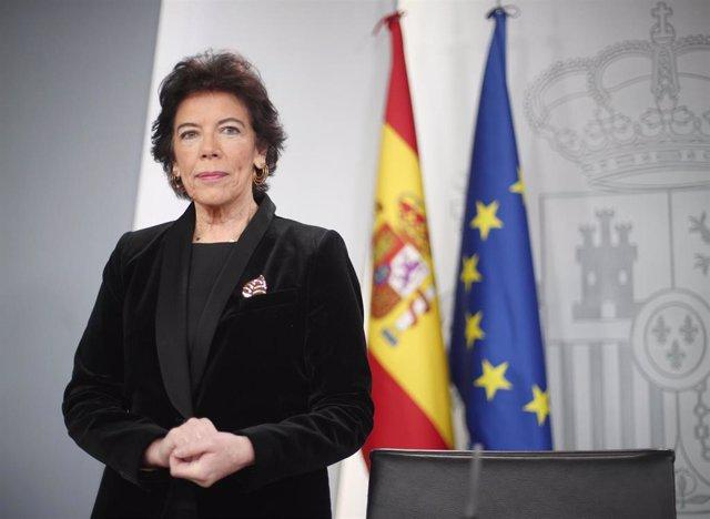 La  ministra de Educación y Formación Profesional, Isabel Celaá, en rueda de prensa posterior al Consejo de Ministros el pasado mes de diciembre.