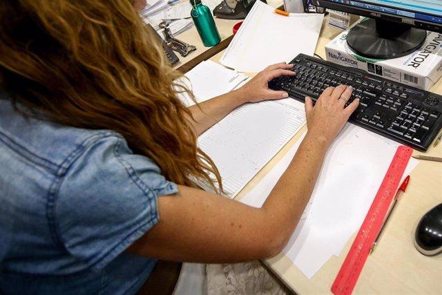 Mujer trabajando