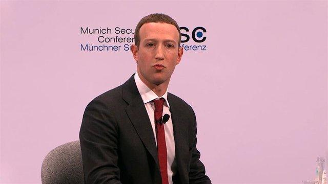 El CEO de Facebook, Mark Zuckerberg, participa en una charla durante la Munich Security Conference (MSC).