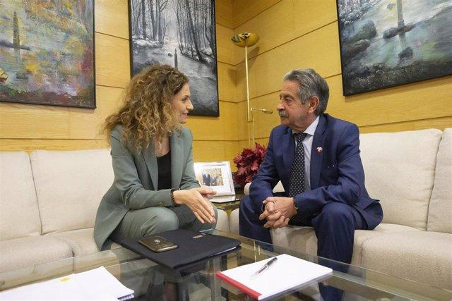 La nueva delegada del Gobeirno en Cantabria, Ainoa Quiñones, y el presidente de Cantabria, Miguel Ángel Revilla