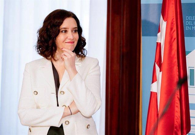 La presidenta de la Comunidad de Madrid, Isabel Díaz Ayuso, durante la toamd e posesión del neuvo delegado del Gobierno en Madrid, José Manuel Franco.