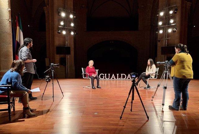 Comeinza a grabarse la campaña del 8M de la Diputación de Cáceres con testimonios de abuelas y nietas