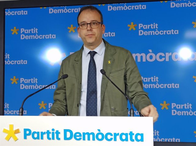 El portaveu del PDeCAT, Marc Solsona, en roda de premsa.