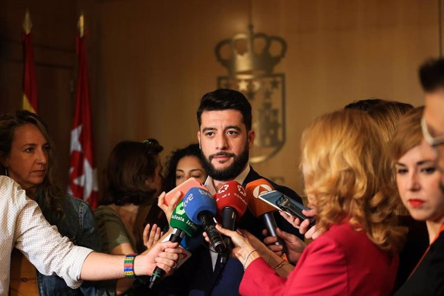 El portavoz de Ciudadanos en la Asamblea de Madrid, César Zafra.