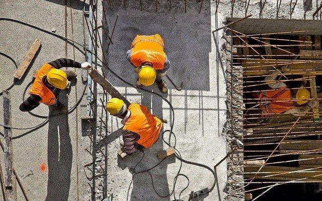 Imagen de recurso de obreros trabajando