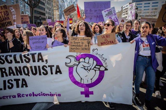 Manifestació a Barcelona en motiu de la vaga feminista del Dia Internacional de la Dona Treballadora.