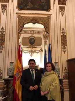 Francisco Reyes se reúne con la embajadora de España en Bélgica, la jiennense Beatriz Larrotcha
