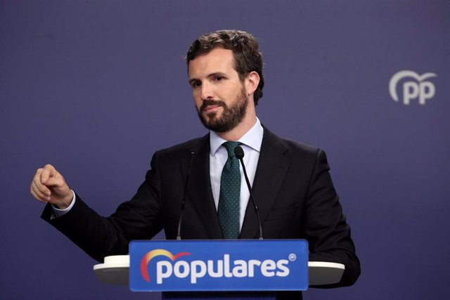 El presidente del PP, Pablo Casado, en rueda de prensa tras finalizar la reunión del Comité Ejecutivo Nacional del Partido Popular y conocerse la firma del preacurdo entre el PSOE y Unidas Podemos después de las elecciones generales del 10N, en Madrid (Es