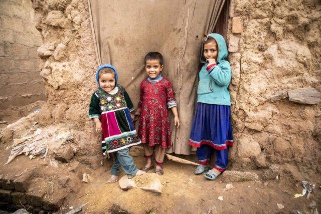 Refugiados afganos en un asentamiento de Islamabad