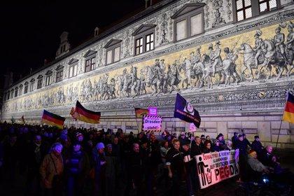 Alemania.- Unas 2.500 personas se movilizan contra la manifestación xenófoba de PEGIDA en el este de Alemania