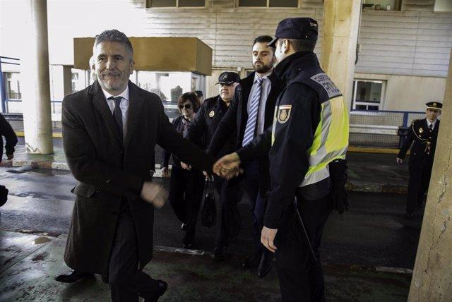 El ministro del Interior, Fernando Grande Marlaska, visita la frontera de El Tarajal y recorre el perímetro fronterizo entre Ceuta y Marruecos.