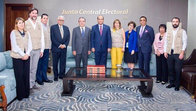 La Junta Central Electoral de República Dominicana se reúne con la misión de la OEA