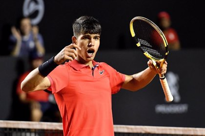 Carlos Alcaraz logra su primera victoria ATP con 16 años