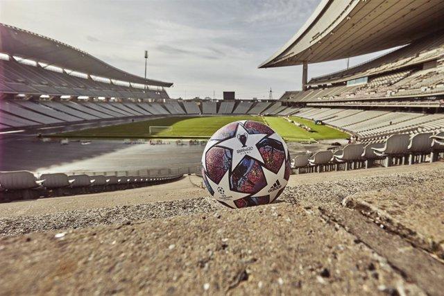 Fútbol.- Adidas presenta el nuevo balón 'Istanbul 20' que se utilizará durante e