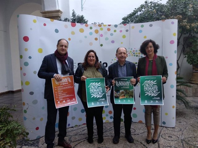 Navajas (centro) presenta la Fiesta del Remate de la Aceituna de Doña Mencía
