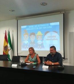 El delegado de Empleo, Alberto Cremades, presentando unas jornadas de autónomos