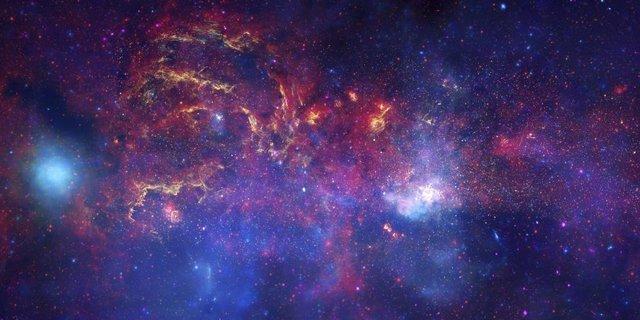 Imagen compuesta del centro galáctico (por los satélites Hubble, Spitzer y Chandra).