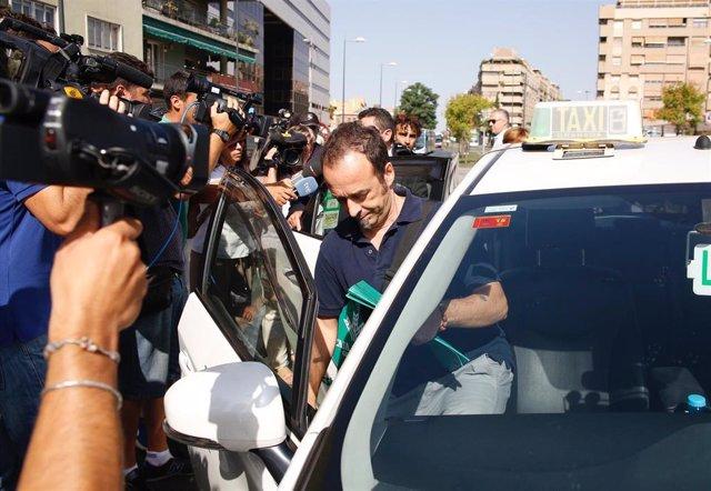 Francesco Arcuri, ex de Juana Rivas, a la llegada a los juzgados de Granada, en una imagen de archivo
