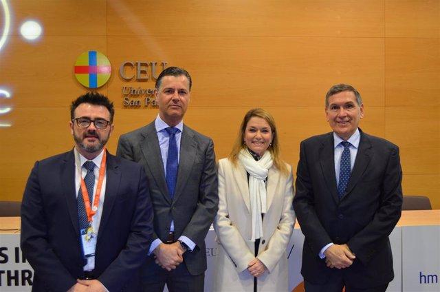 De izquierda a derecha, el doctor Pedro J. Delgado, el doctor Marío Gil de Rozas, la doctora Virginia Soler y  el doctor Tomás Chivato.
