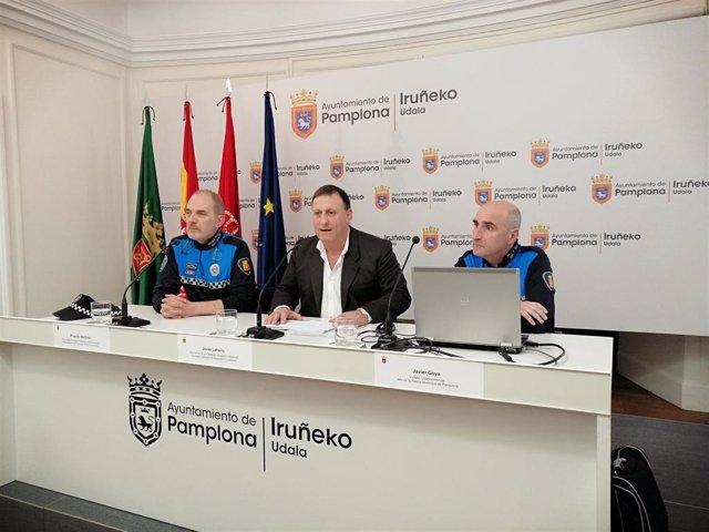 Ricardo Martínez, Javier Labairu y Javier Goya, en la rueda de prensa