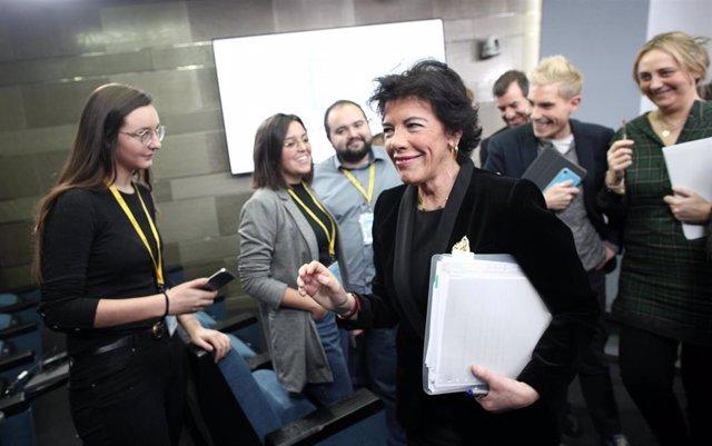 La ministra de Educación y Formación Profesional, Isabel Celaá, tras una rueda de prensa posterior al Consejo de Ministros el pasado mes de diciembre.